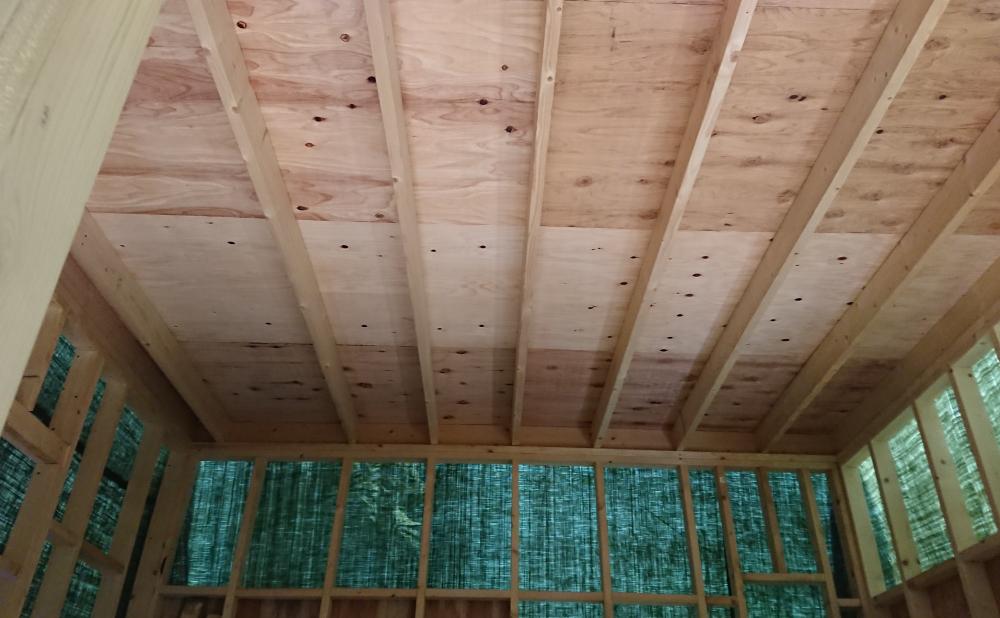 屋根裏の床1